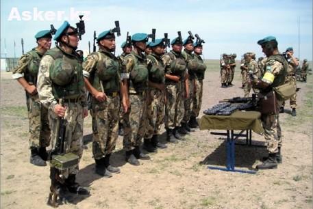 Воины Сухопутных войск Казахстана